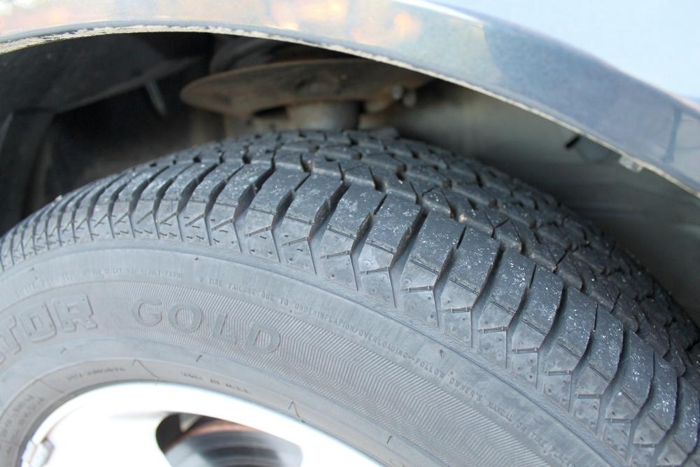 2008 Pontiac Grand Prix tires