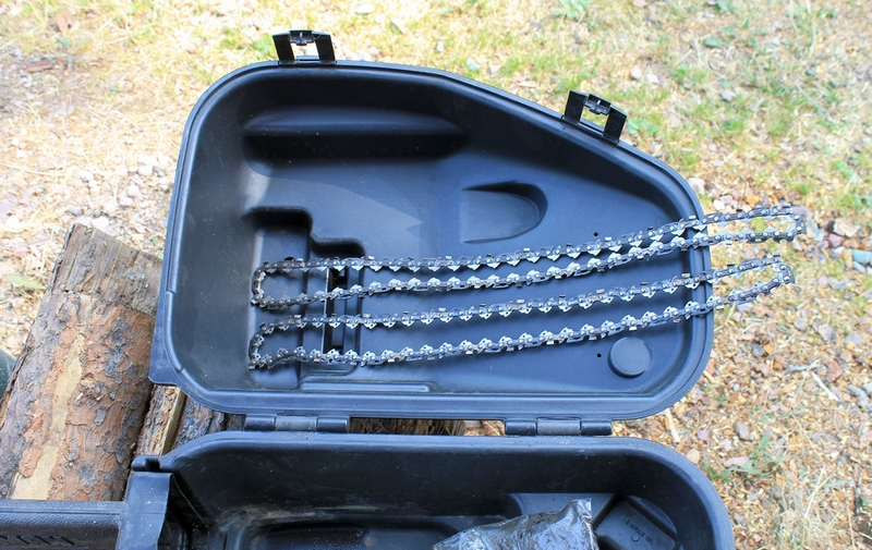 Case and two sharp extra chains included with the Craftsman 16-in. Chainsaw Model 358.351062