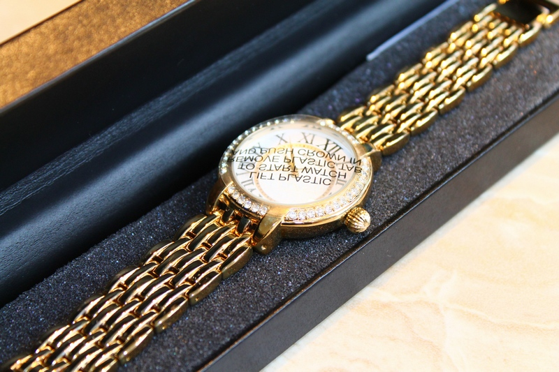 Gossip Highly Polished Goldtone Bracelet Link Watch with Crystal Bezel GSP834