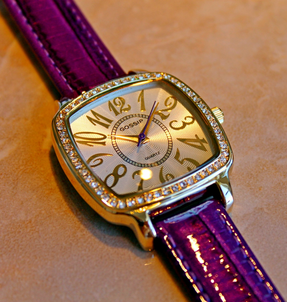 gossip pillow shaped crystal bezel large arabic numbers violet leather strap watch gsp662d