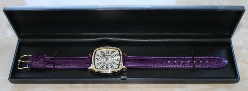 Gossip Pillow-shaped Crystal Bezel, Large Arabic Numbers, Violet Leather Strap Watch GSP662D