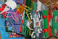 Hundreds of New Holiday Gift Bags Assorted Sizes and Designs