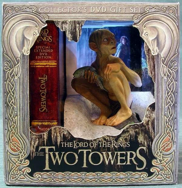 Lord of the Rings The Two Towers Collector's DVD Gift Set with Gollum Figurine