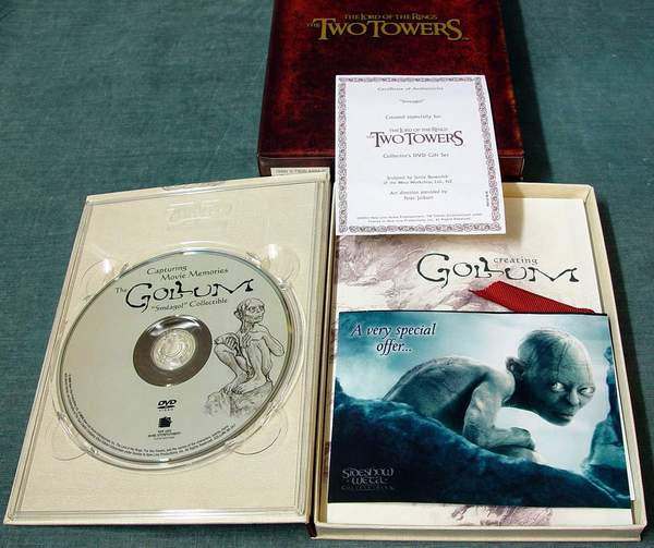 Lord of the Rings The Two Towers Collector's DVD Gift Set
