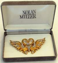 Glamorous Nolan Miller Vintage Double Kissing Swans with Dangle Heart Pin