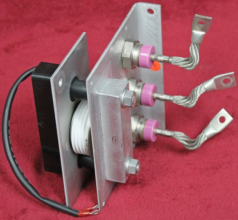 Powerex Corp. 3 Silicon Power Rectifiers N3296R, 1 Thyristor C387N-PRX and a VE2500-235 Methode SRC Clamp Mounted in an aluminum frame