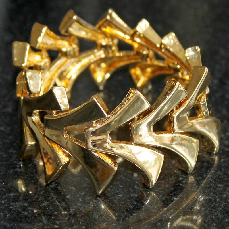 Luxe Rachel Zoe Flexible V Bracelet