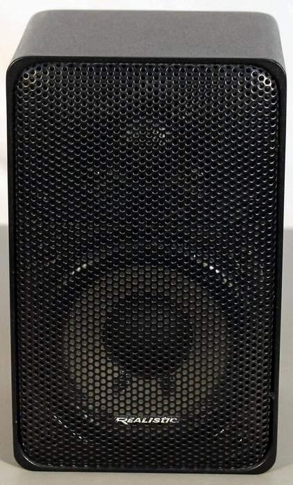 Realistic Minimus 7 Bookshelf Speaker (one only) in black metal cabinet