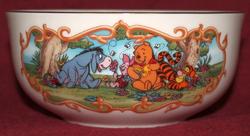 LENOX Animated Classics Bowl - Winnie The Pooh - Copyright Disney 2000 - Fine Ivory China